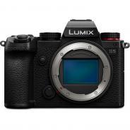 Фотоапарат Panasonic Lumix S5 Body + 1 година допълнителна гаранция.