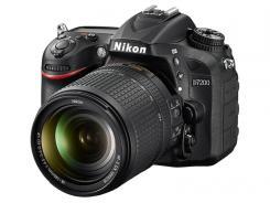 Фотоапарат Nikon D7200 тяло + Обектив Nikon AF-S DX Nikkor 18-140mm f/3.5-5.6G ED VR